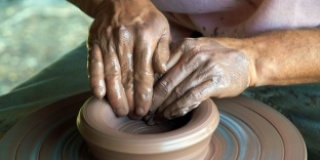 Reviving pottery industry in New Valley